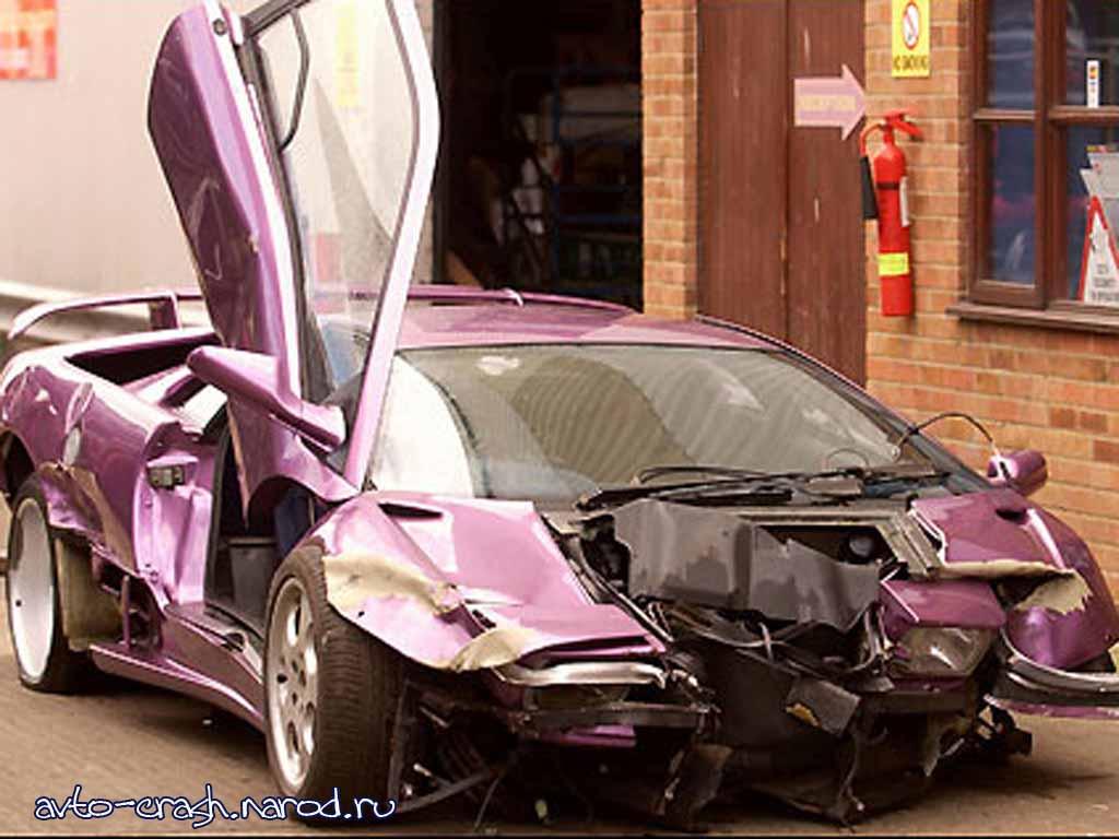 Как знаменитости разбивают свои авто (19 фото) .